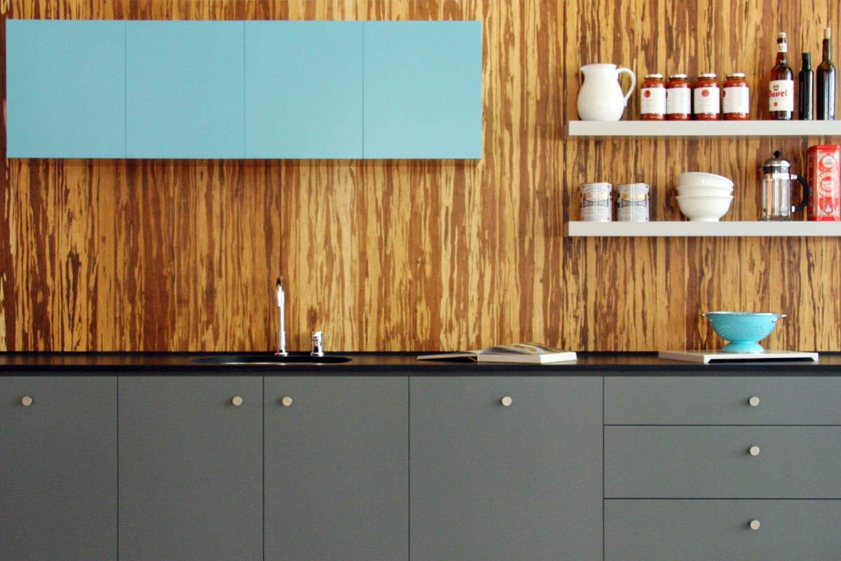intérieur-cuisine-meubles-abordable-maison-intérieur-petite-cuisine-idées-de-conception-équipée-moderne-peinture-grise-cuisines-armoire-granit-comptoirs-et-intéressant-blanc-bois-flottant-étagères-moderne