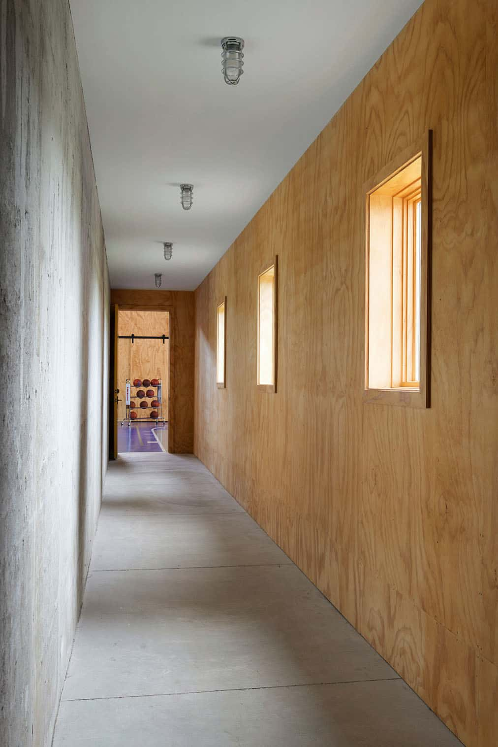 salle-rustique-moderne