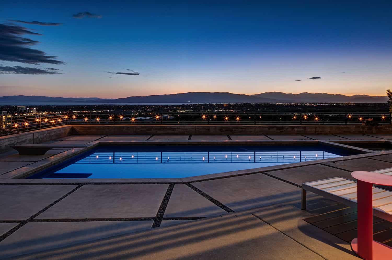 résidence-piscine-milieu-du-siècle