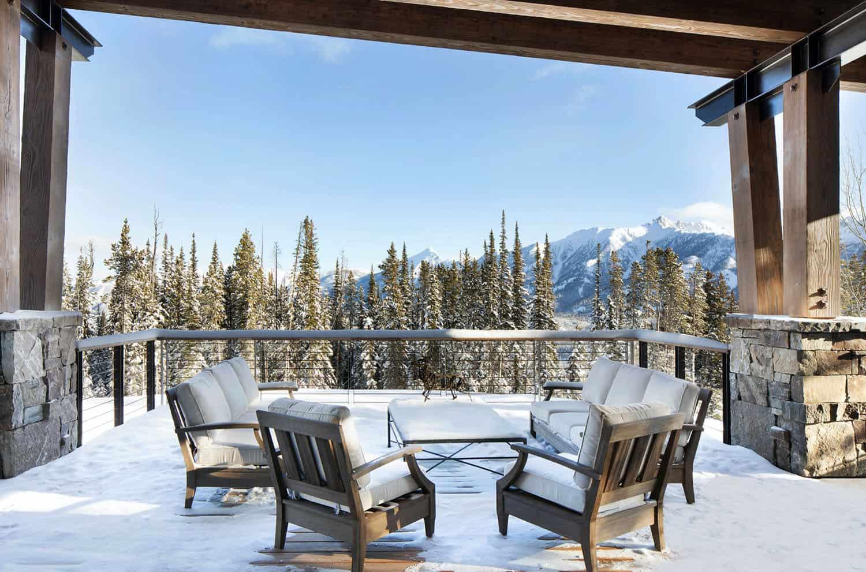 patio-extérieur-maison-de-ski-moderne