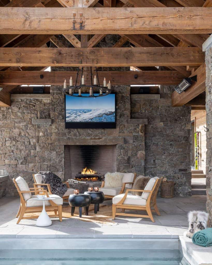 maison-de-ski-moderne-salon-hot-tub