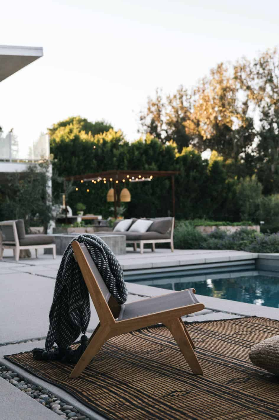 ferme-piscine-moderne