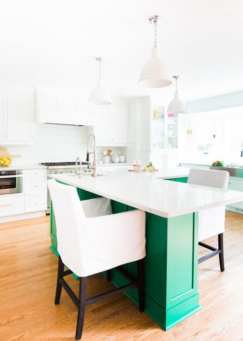 cuisine-verte-cuisine-blanche-et-verte-cuisine-la-couleur-de-peinture-armoire-blanche-est-bm-colombe-blanche-et-l'ile-verte-peinture-couleur-est-benjamin-moore-jade- vert-vert-cuisine-benjaminmoorejade vert