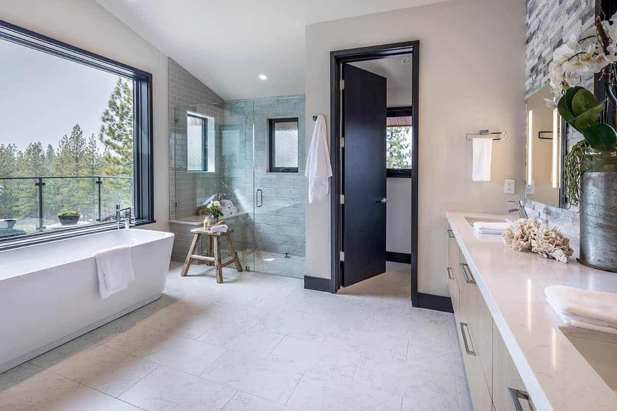 salle de bain moderne de montagne