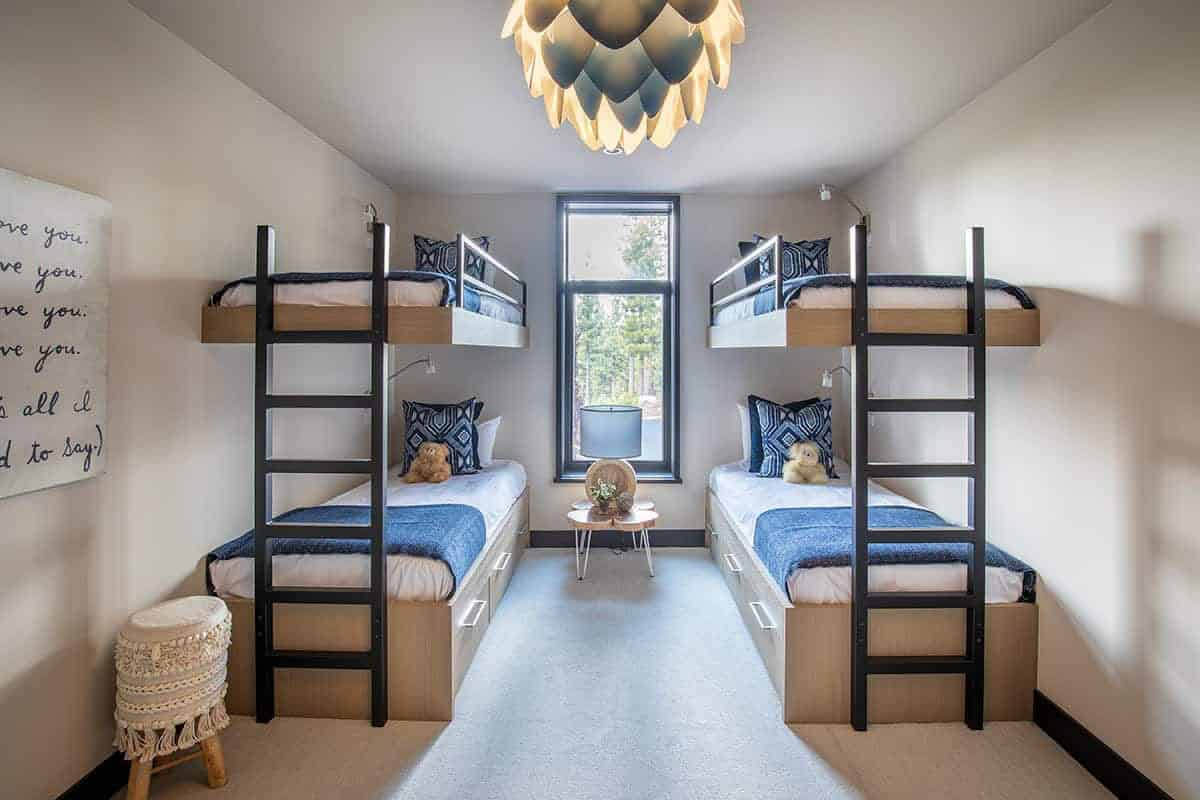 chambre-lits-superposés-modernes-montagnards