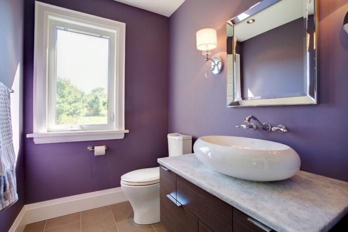 salle de bain couleur lavande avec lavabo ovale