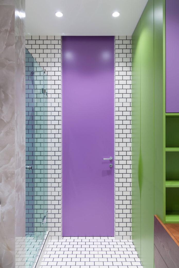 Salle de bain vert violet