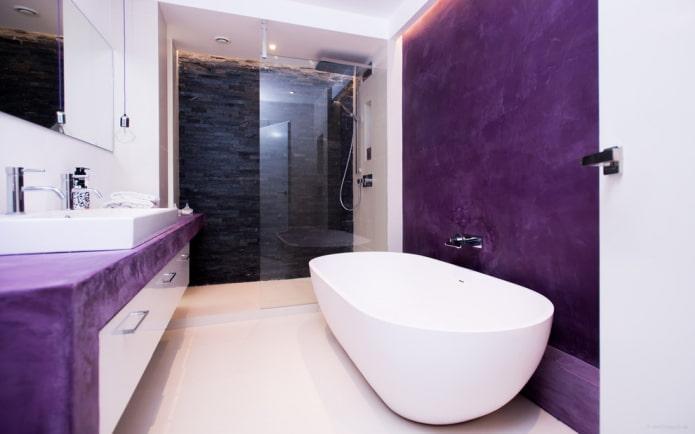 salle de bain blanche et violette