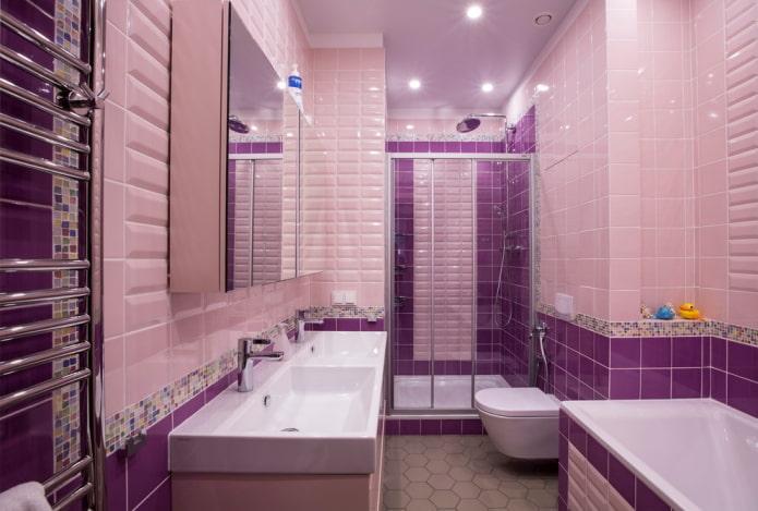 Salle de bain rose-violet