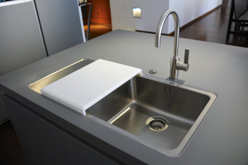 éviers-de-cuisine-en-composite-élégance-évier-de-cuisine-en-composite-en-acier-inoxydable-double-cuve-planche-à-découper-aussi-un-robinet-escamotable
