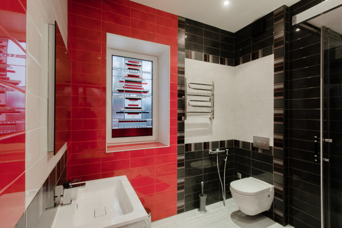 salle de bain dans les tons noir et rouge