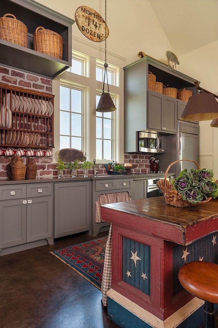 cuisine-de-ferme-unique-avec-une-touche-de-rouge-bleu-et-blanc