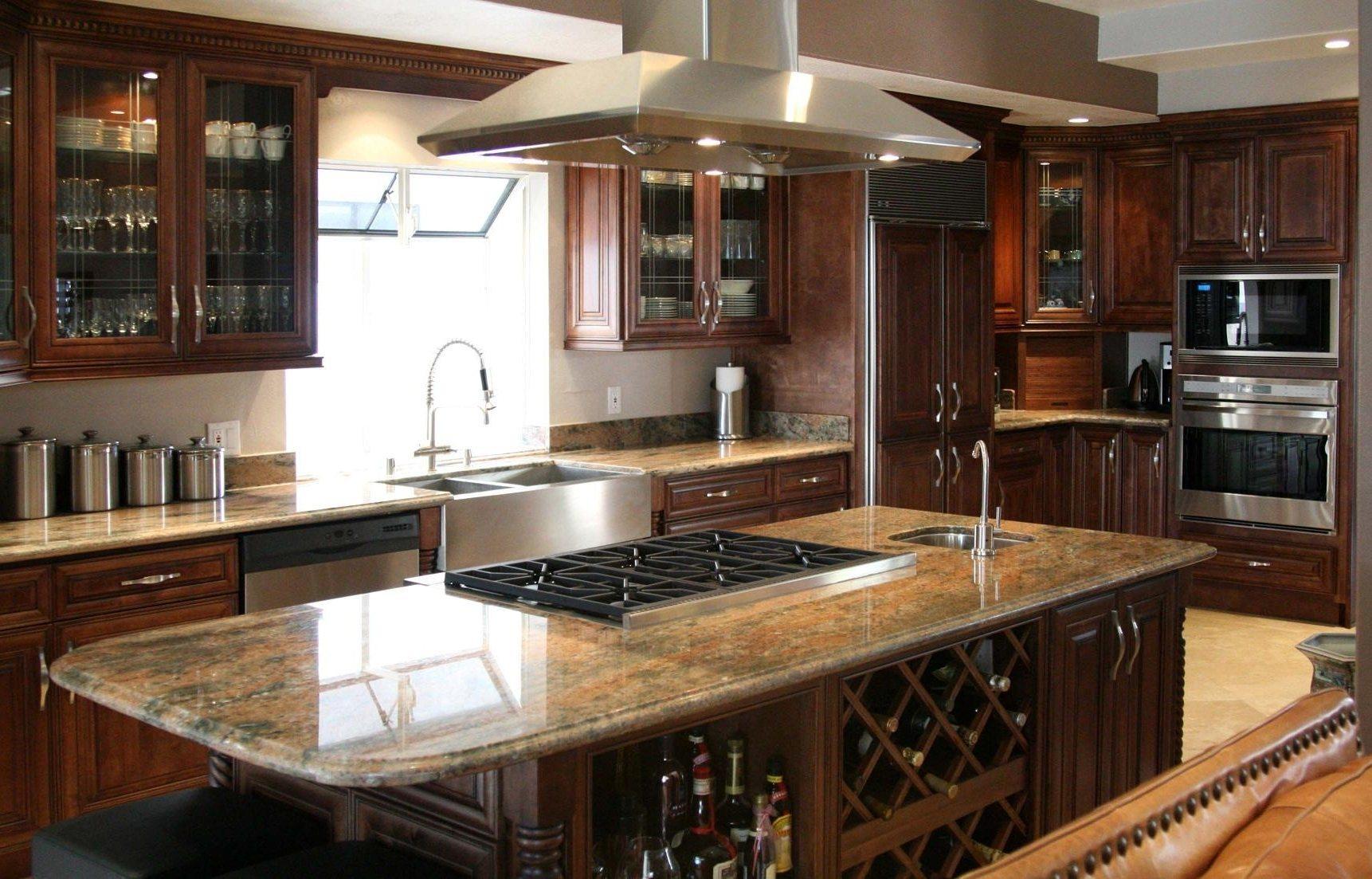 cuisine-classique-idees-de-cuisine-avec-armoires-de-cuisine-en-bois