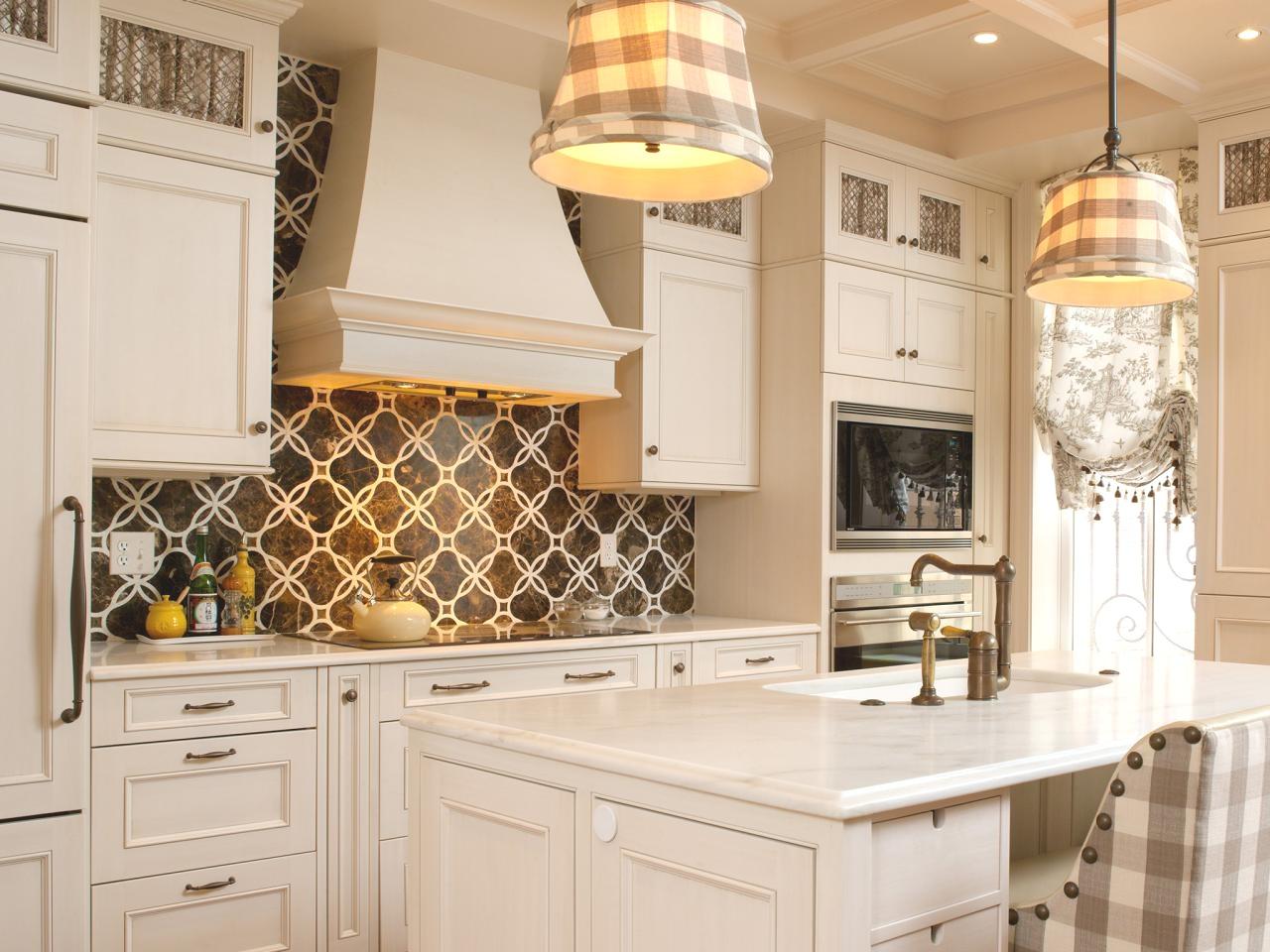 décoratif-classique-cuisine-dosseret-idées-ornemental-floral-blanc-armoire-aspect-cool-brossé-inoxydable-long-grain-moderne-créatif-hexagone-mosaïque-contemporain-amande-tumbled-marbre
