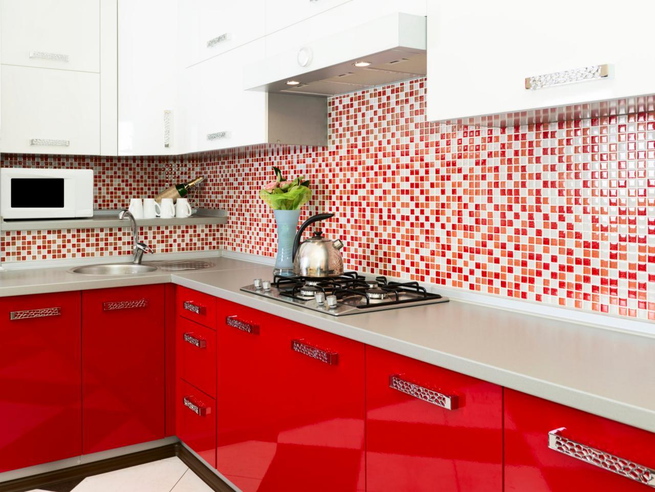 ts-159025550_moderne-rouge-cuisine_s4x3-jpg-rend-hgtvcom-1280-960