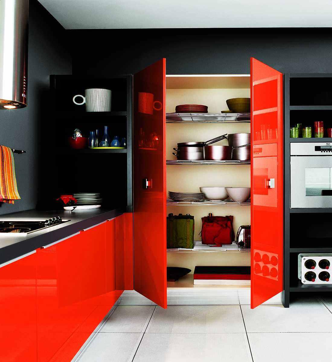 28-cuisine-rouge-et-noire