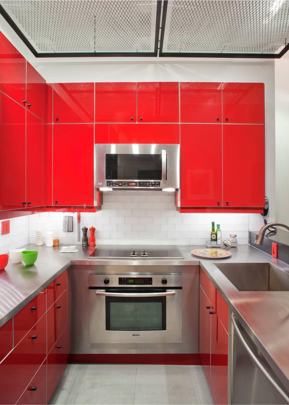 armoires-de-cuisine-rouge-chic
