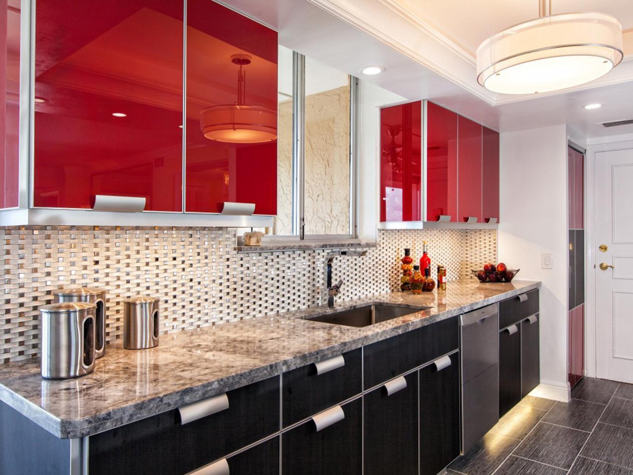 original_jill-vert-élégant-rouge-et-noir-armoires-de-cuisine-argent-dosseret-jpg-rend-hgtvcom-1280-960