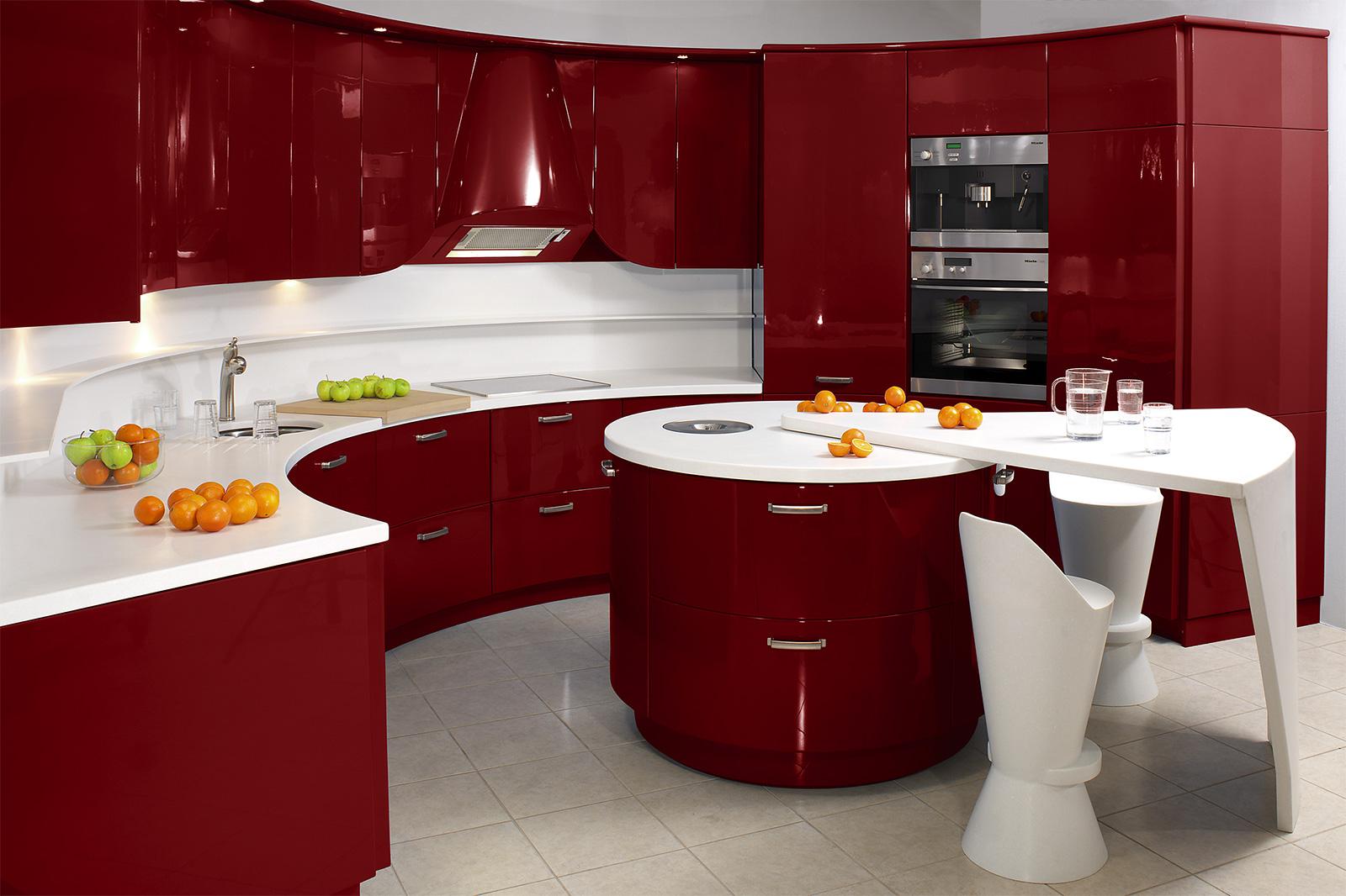 armoire-rouge-courbe-raffinée-utilisant-le-comptoir-gagnant-pour-la-décoration-de-cuisine