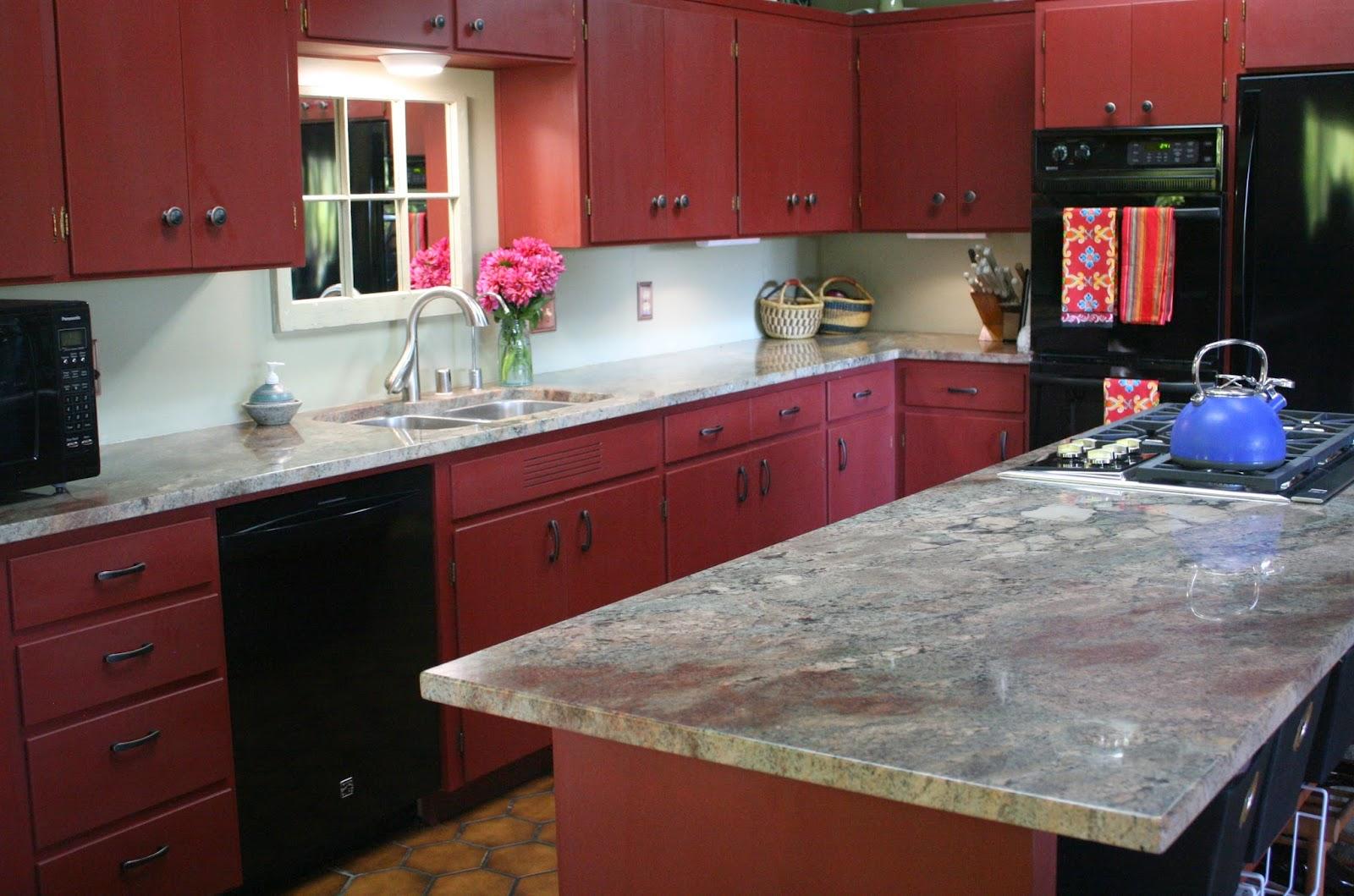 armoires-de-cuisine-rouge-haut