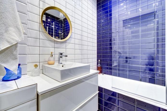 aménagement de salle de bain carrelé