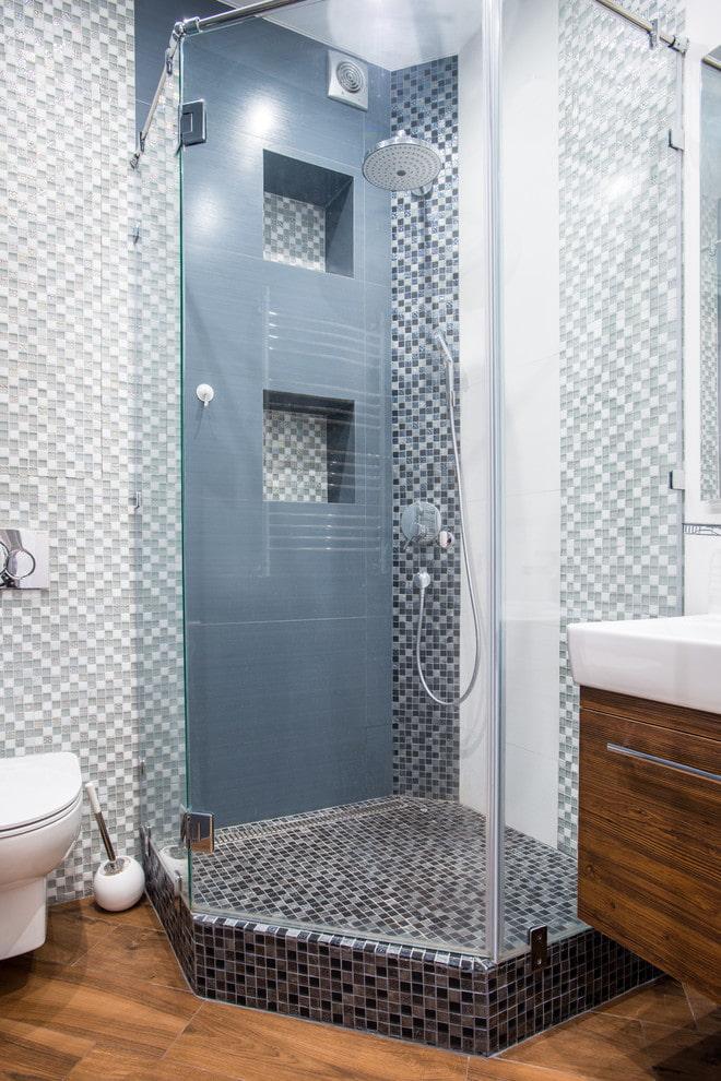 niches de carreaux dans la douche