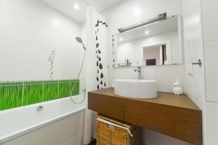 carreaux blancs sur les murs de la salle de bain