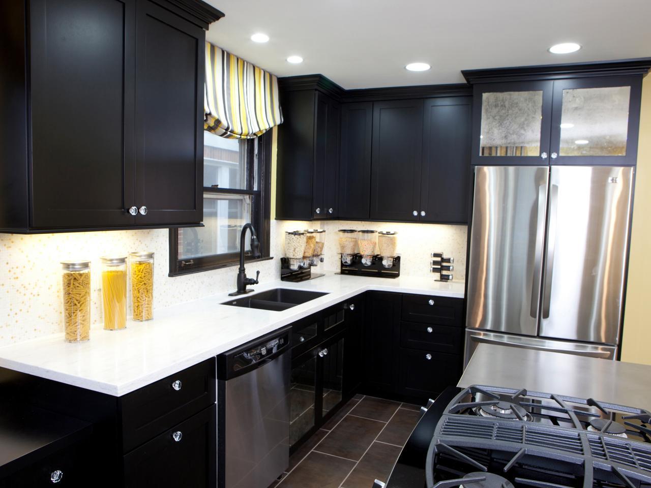 h2dsw104_after-avec-armoires-de-cuisine-noires_s4x3-jpg-rend-hgtvcom-1280-960