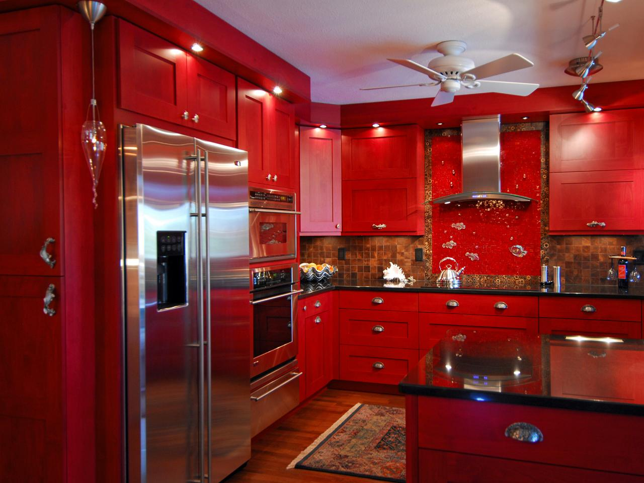 original_john-ryba-armoires-de-cuisine-rouges-jpg-rend-hgtvcom-1280-960