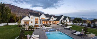 modern-farmhouse-swimming-pool