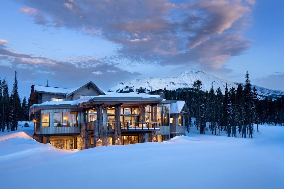 extérieur-maison-de-ski-moderne-de-montagne