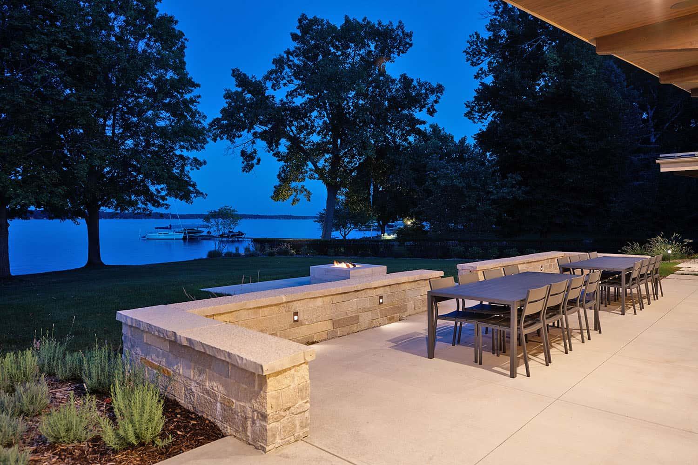 patio-maison-lac-moderne