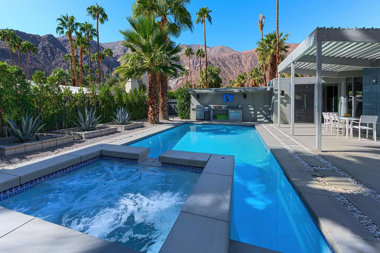 piscine du milieu du siècle
