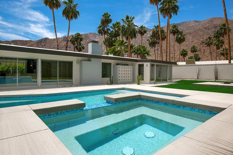 piscine moderne du milieu du siècle