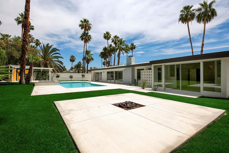 piscine-patio-moderne-du milieu du siècle