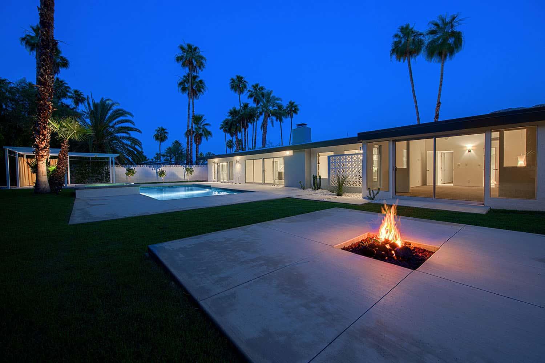 patio-maison-ranch-moderne-du milieu du siècle
