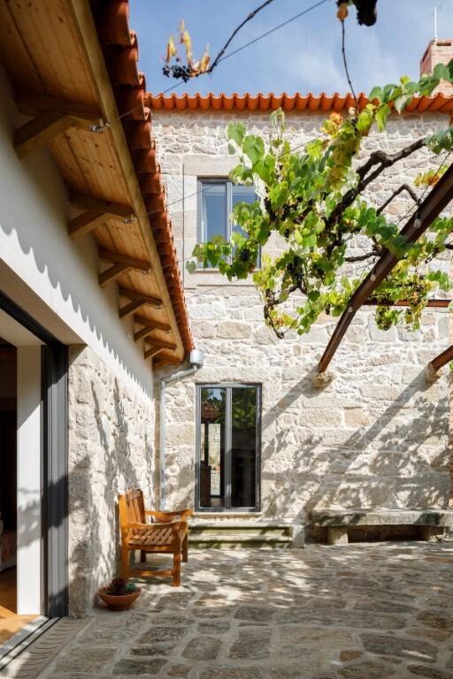 Calcada House par Ren Ito Arq à Porto, Portugal