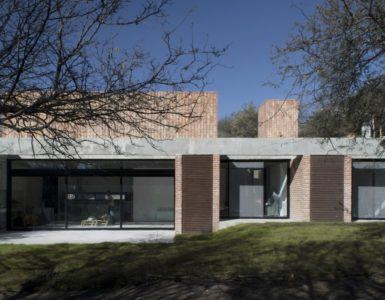 GPL House by Estudio BLT in Mendiolaza, Argentina