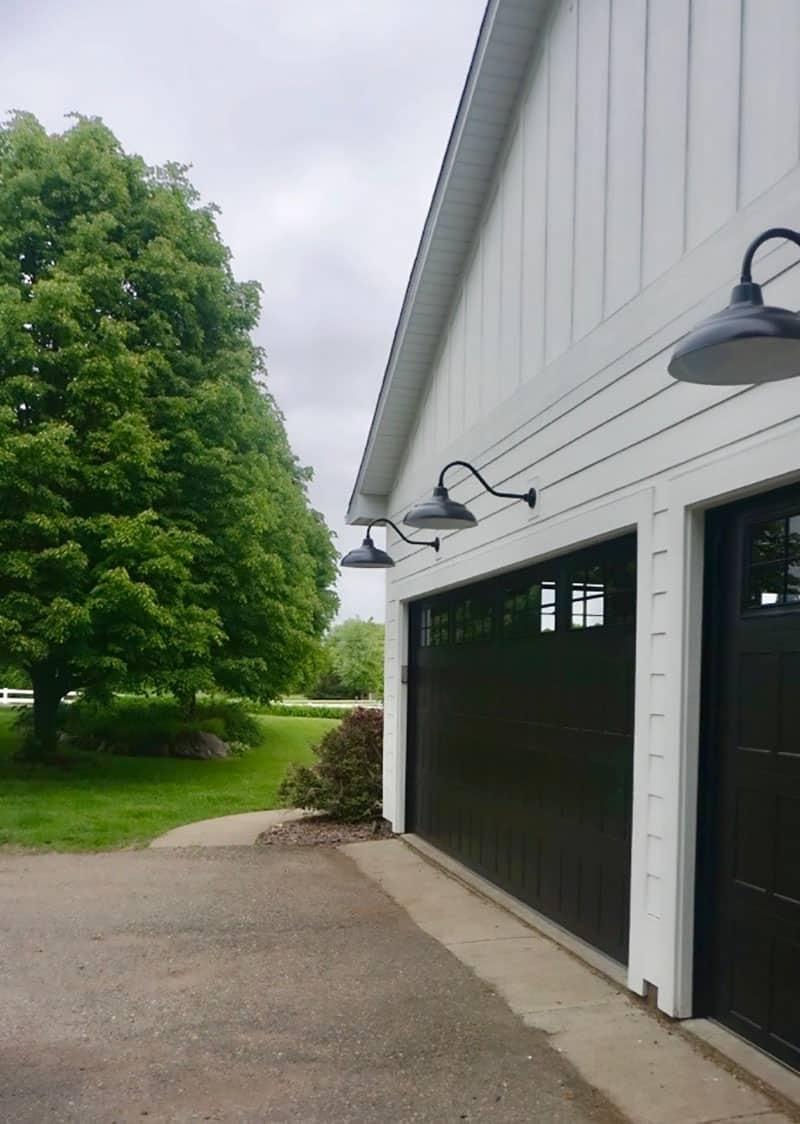 garage-maison-de-style-ferme-moderne