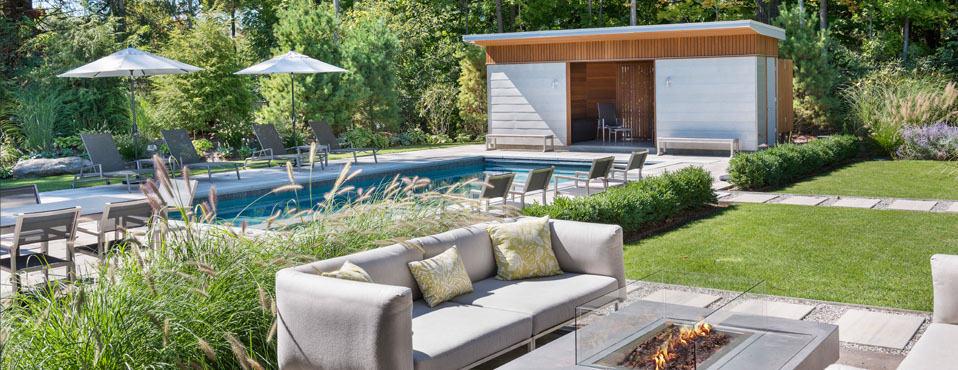 maison-moderne-piscine-contemporaine