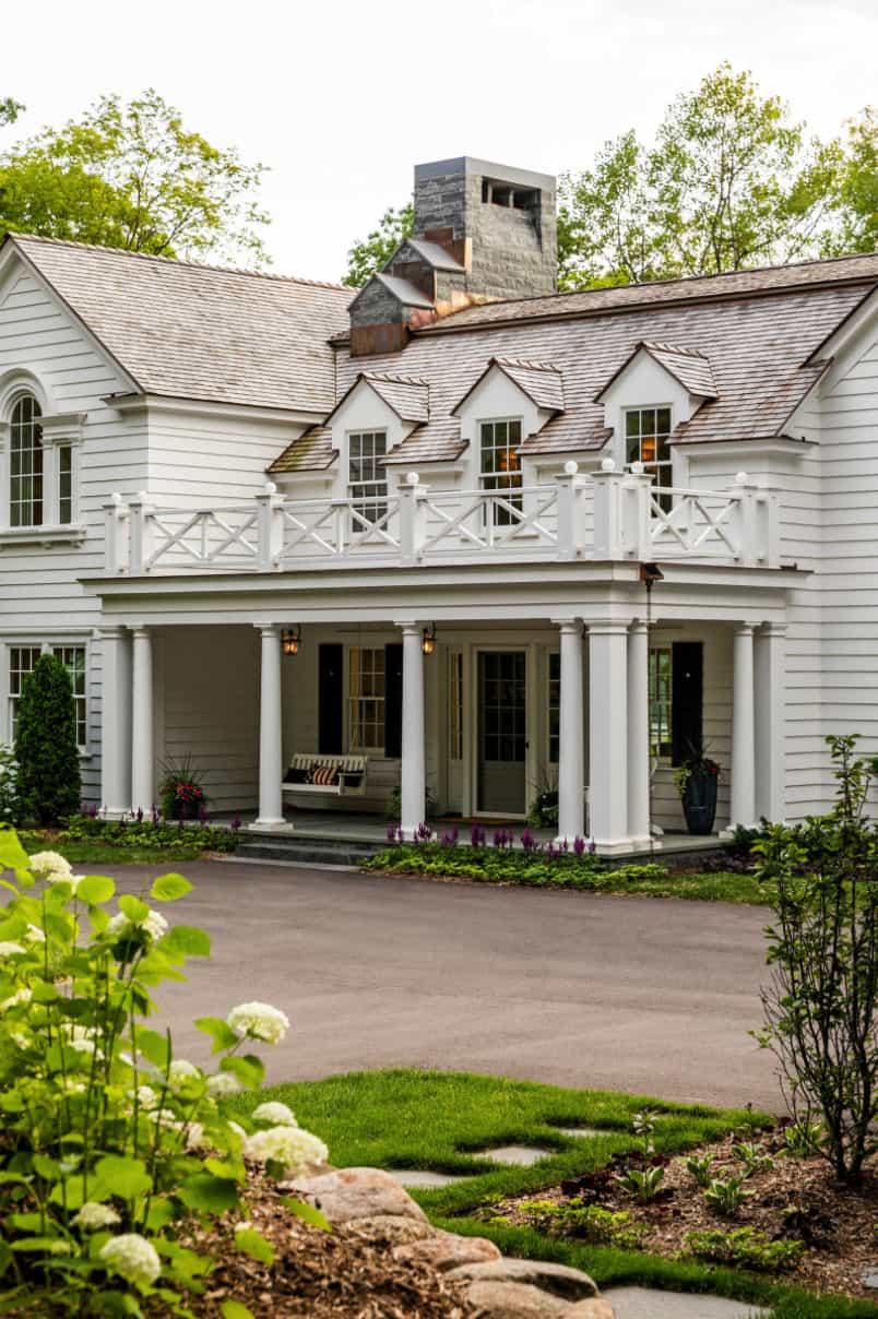 extérieur de la maison de style colonial