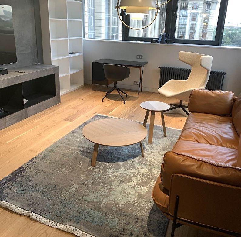 Bureau spacieux dans un appartement moderne mettant l'accent sur le minimalisme