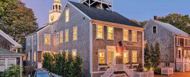 saltbox-house-exterior