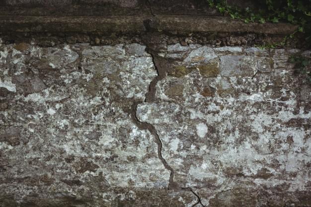 Reparer les fissures dans le mur