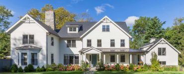 modern-day-traditional-farmhouse-exterior