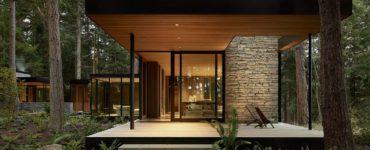 modern-glass-house-exterior
