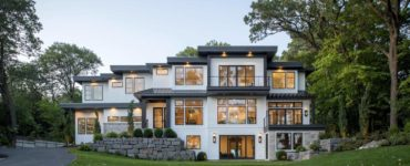 contemporary-lakeshore-home-exterior