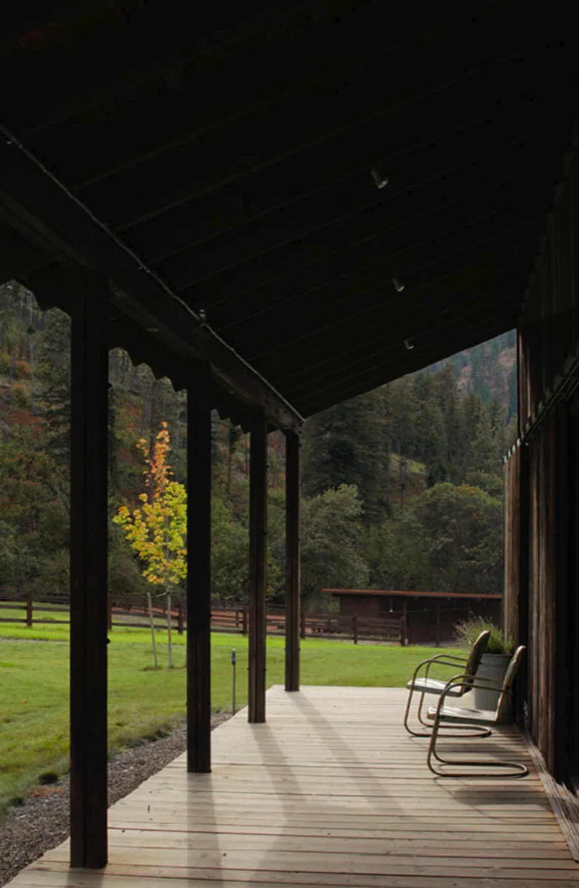 grange-rustique-porche