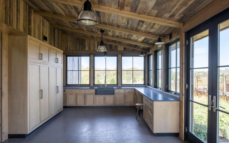 armoires-de-rangement-moderne-rustique-maison-garage