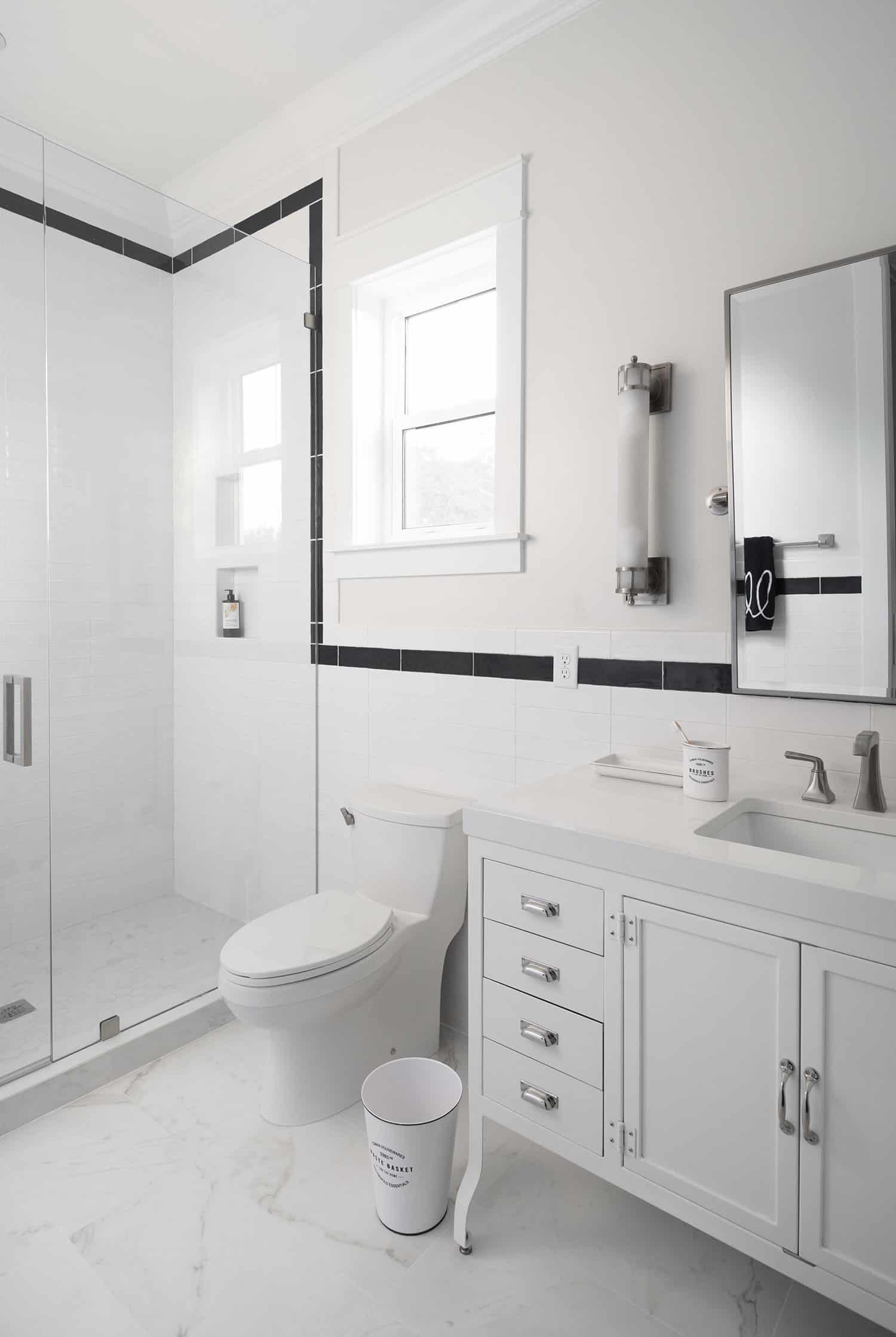 salle-de-bain-garçon-traditionnelle